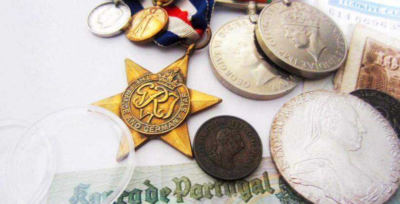 Banknote, Coin, & Medal Accessories